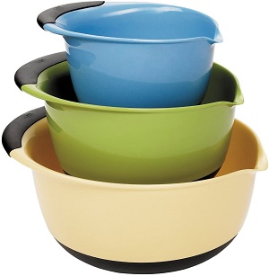 3. OXO Good Grips 3-piece Mixing Set, White Bowls Brown Handles, Blue/Green/Yellow
